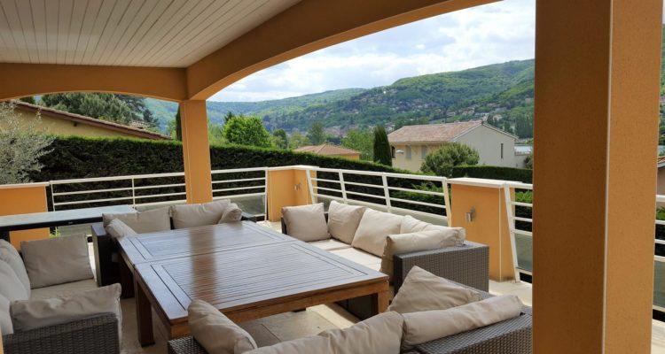 Maison 207m² sur 900m² de terrain - Fontaines-sur-Saône (69270) - 1