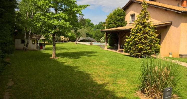 Maison 234m² sur 1700m² de terrain - Massieux (01600)