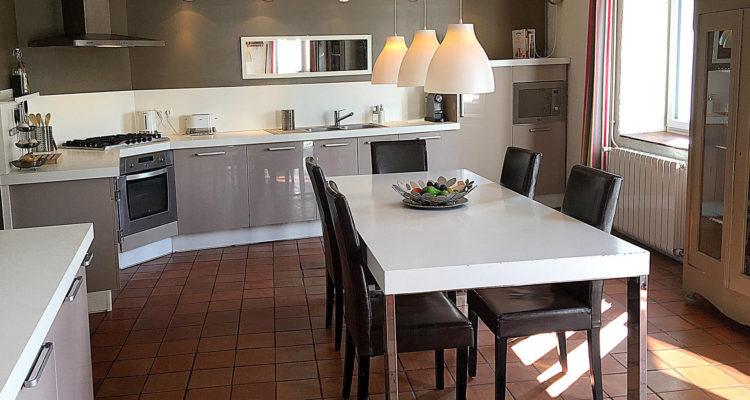 Maison 250m² sur 930m² de terrain - Genay (69730) - 7