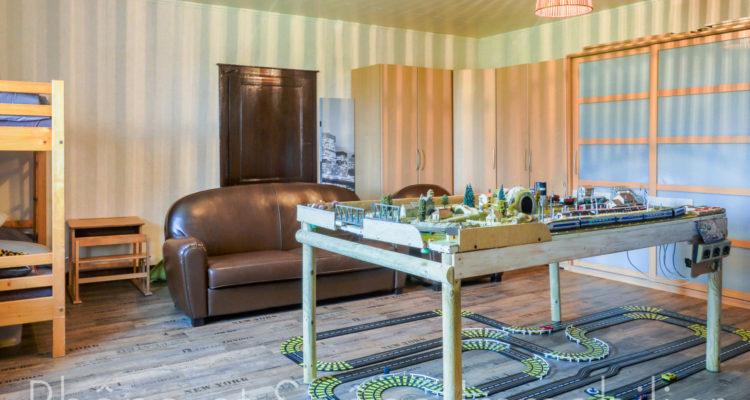 Maison 252m² sur 55000m² de terrain - Pouilly-le-Monial (69400) - 13