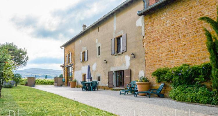 Maison 252m² sur 55000m² de terrain - Pouilly-le-Monial (69400) - 4