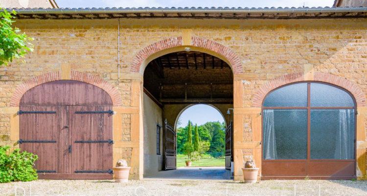 Maison 252m² sur 55000m² de terrain - Pouilly-le-Monial (69400) - 8