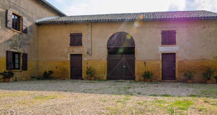 Maison 252m² sur 55000m² de terrain - Pouilly-le-Monial (69400) - 9