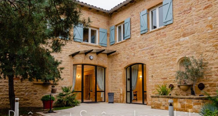 Maison 358m² sur 1000m² de terrain - Liergues (69400)