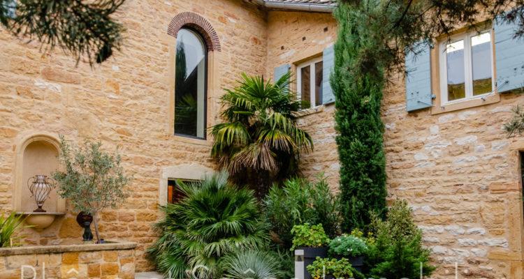 Maison 358m² sur 1000m² de terrain - Liergues (69400) - 2