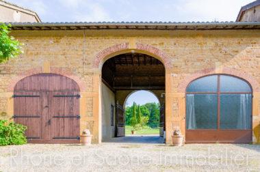 Vente Maison 252 m² à Pouilly-le-Monial 890 000 € - 1
