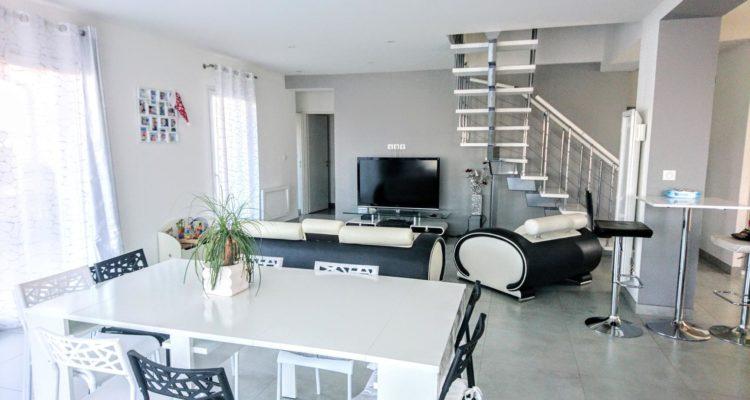 Vente Maison 136 m² à Saint-Étienne-des-Oullières 399 000 € - Saint-Étienne-des-Oullières (69460) - 3