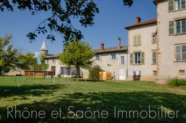 Vente Maison 240 m² à Saint-Georges-de-Reneins 369 000 € - 1