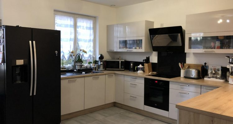 Vente Maison 120 m² à Misérieux 290 000 € - Misérieux (01600) - 4