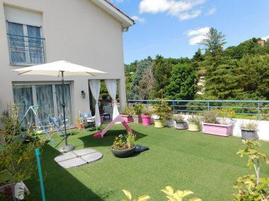 Vente T5 95 m² à Neuville-sur-Saône 399 999 € - 1