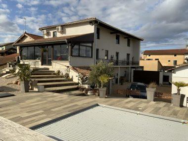 Vente Maison 260 m² à Villefranche-sur-Saône 695 000 € - 1